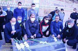 غبار روبی و گل افشانی مزار شهدای گمنام